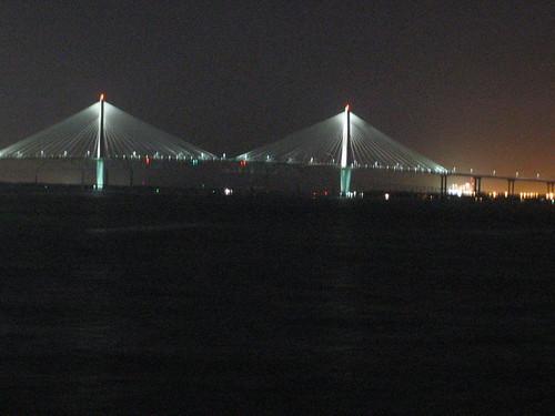 The new cooper river bridge that 39 s the wando terminal for 242 terrace ave riverside ri