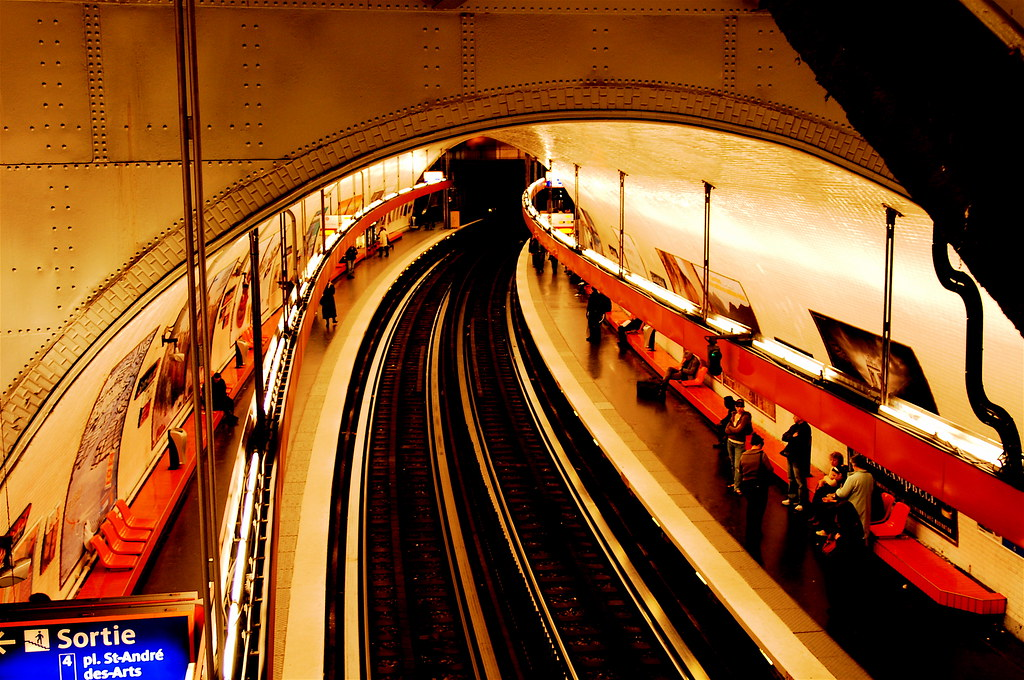 Paris metro saint michel station paris france pedro - Saint michel paris metro ...