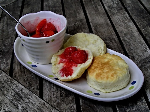 Biscuits and strawberry compote | by Blue Lotus