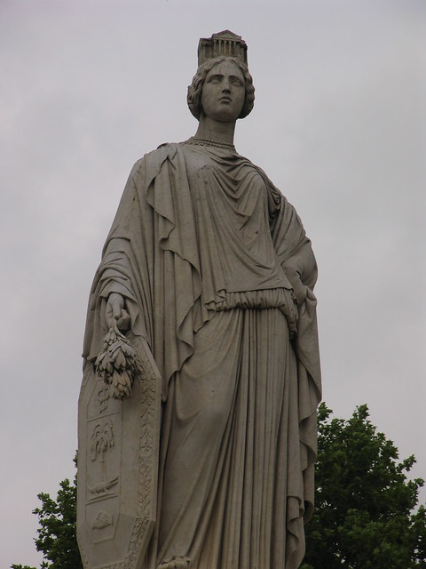 Statue in esplanade charles de gaulle flickr photo sharing - Esplanade charles de gaulle ...