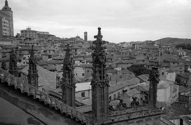 Vista de Toledo desde los Tejados de la Catedral en 1967 © Paco Gómez/Fundació Foto Colectania