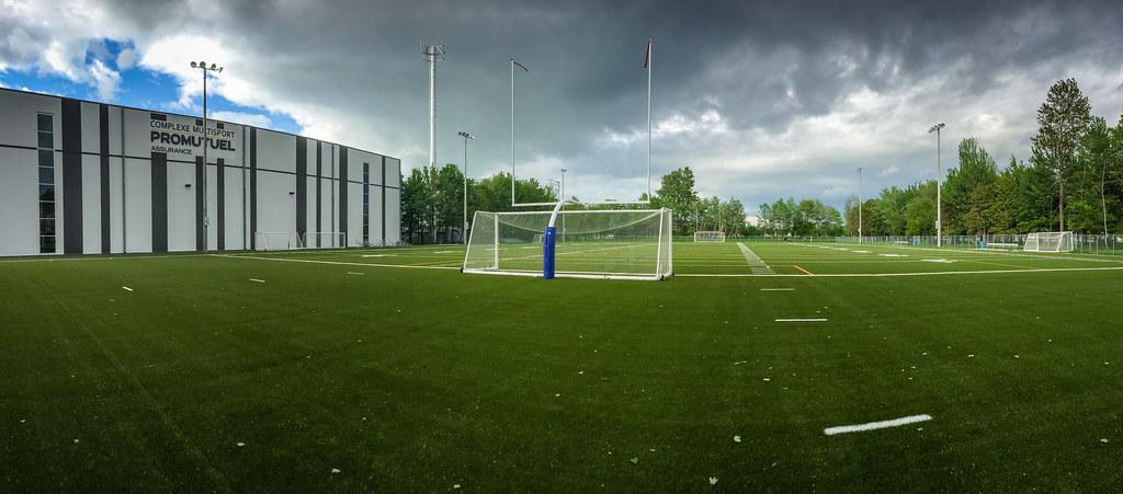 Terrain de soccer et football extérieur du Complexe multisport Promutuel