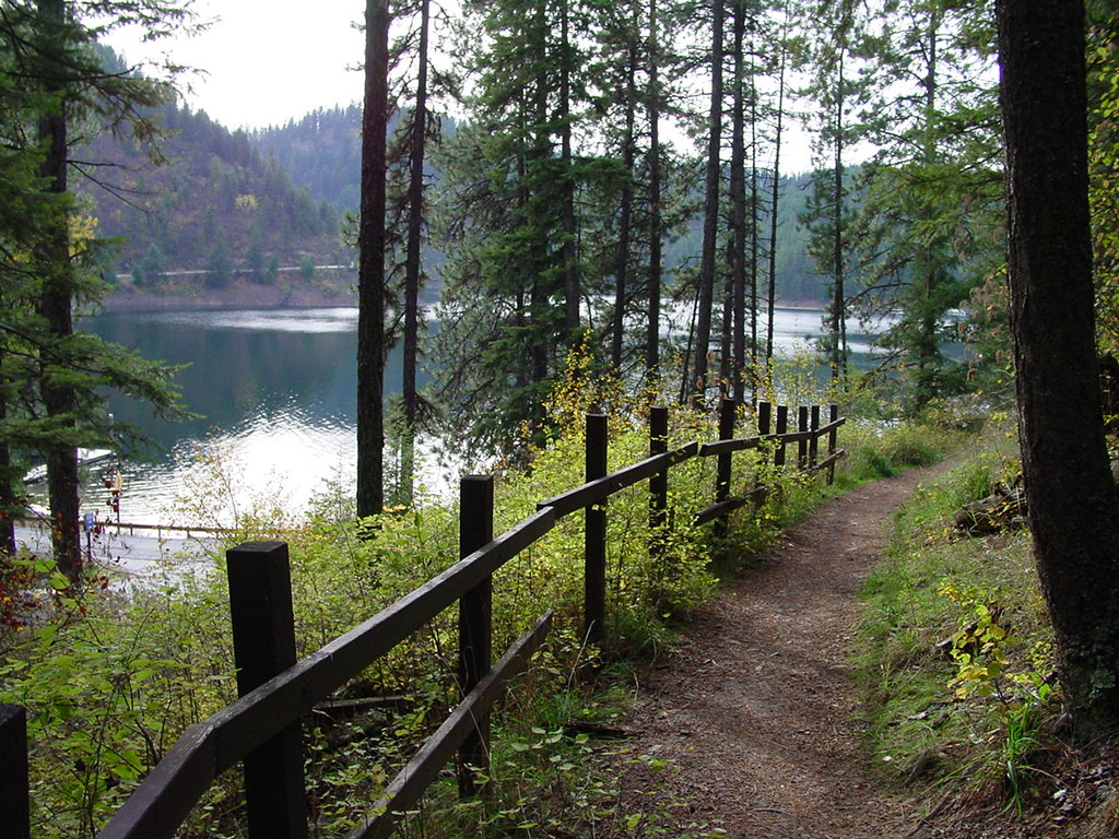 Top 10 Lake Coeur d'Alene Campgrounds & RV Parks