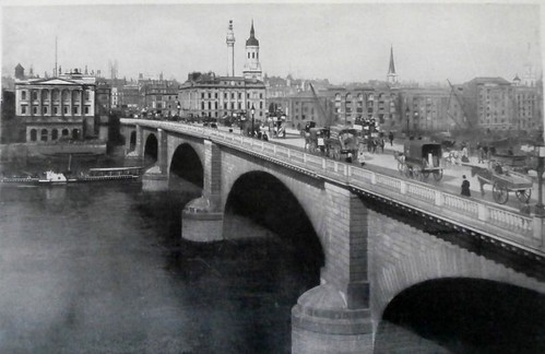London-Bridge-circa-1890