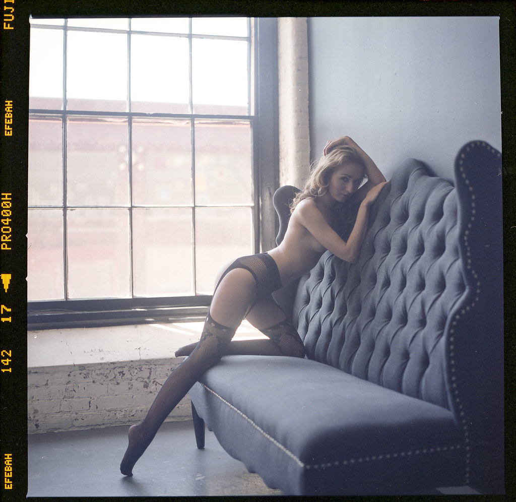 Zoe West naked (97 photo) Hacked, Twitter, braless