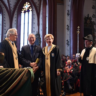 Stephen Cecchetti Receives Honorary Doctorate from Unibas