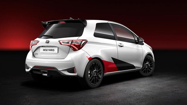 Toyota Yaris Esportivo 2