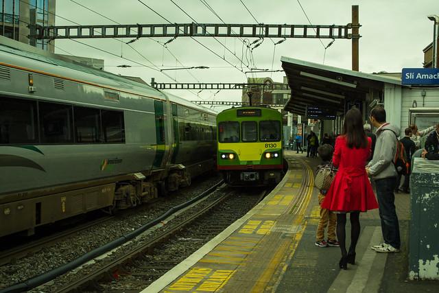 20150526-001_Dublin Dart_Tara Street Station