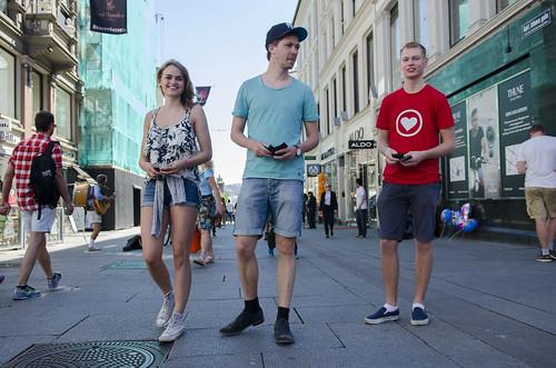 KrFU deler ut kondomar på Karl Johan