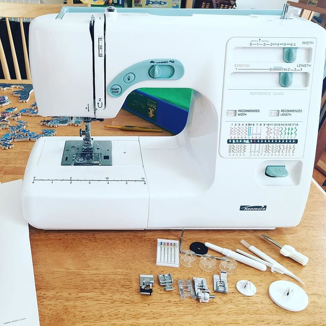 I have a beginners quilting class tonight. Better figure how to use this thing. Given to me by my sister and it's brand new. Thanks @barbjstender! I'll pay you in marmalade tomorrow.