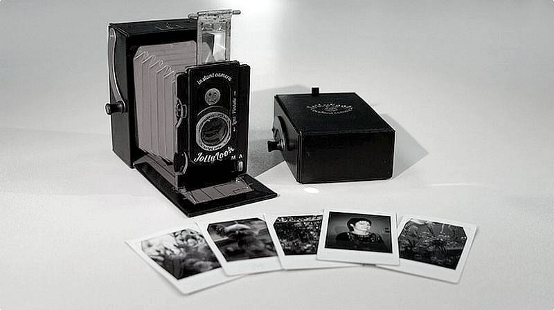 Jollylook : Le premier appareil photo instantané vintage en carton !