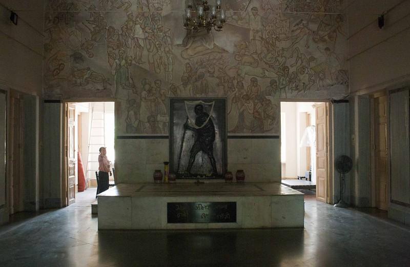 Room where Mahatma Gandhi Stayed on the day of Indian Indipendence - Hyderi Manzil or Gandhi Bhawan - Kolkata, India