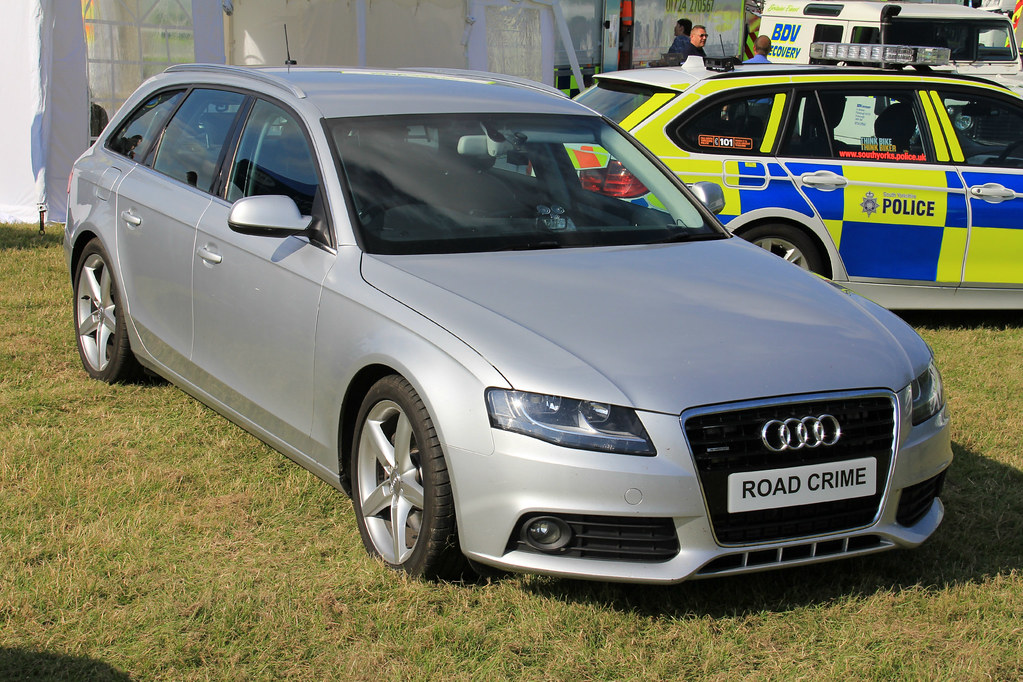 North Yorkshire Police Unmarked Audi A4 Avant Quattro Road