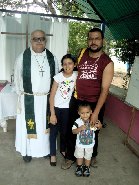 Jhoan Andres Leal Santana with his father, Juan Carlos and sister, Maria.