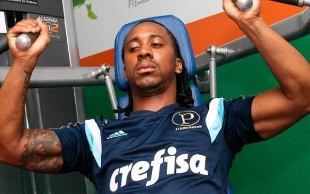 Ap�s amistosos no Uruguai, Arouca entende que Palmeiras precisar� evoluir muito na temporada