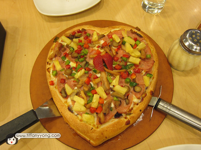 heart shape Pizza hut