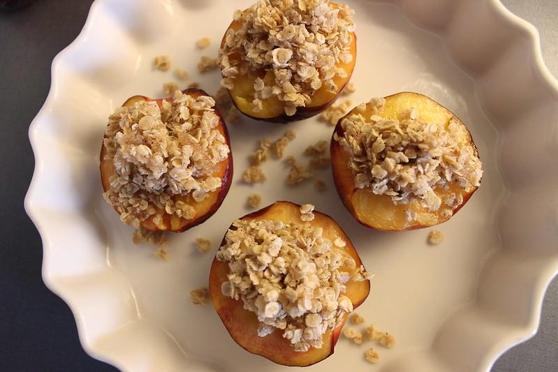 Baked nectarines, Et dryss kanel
