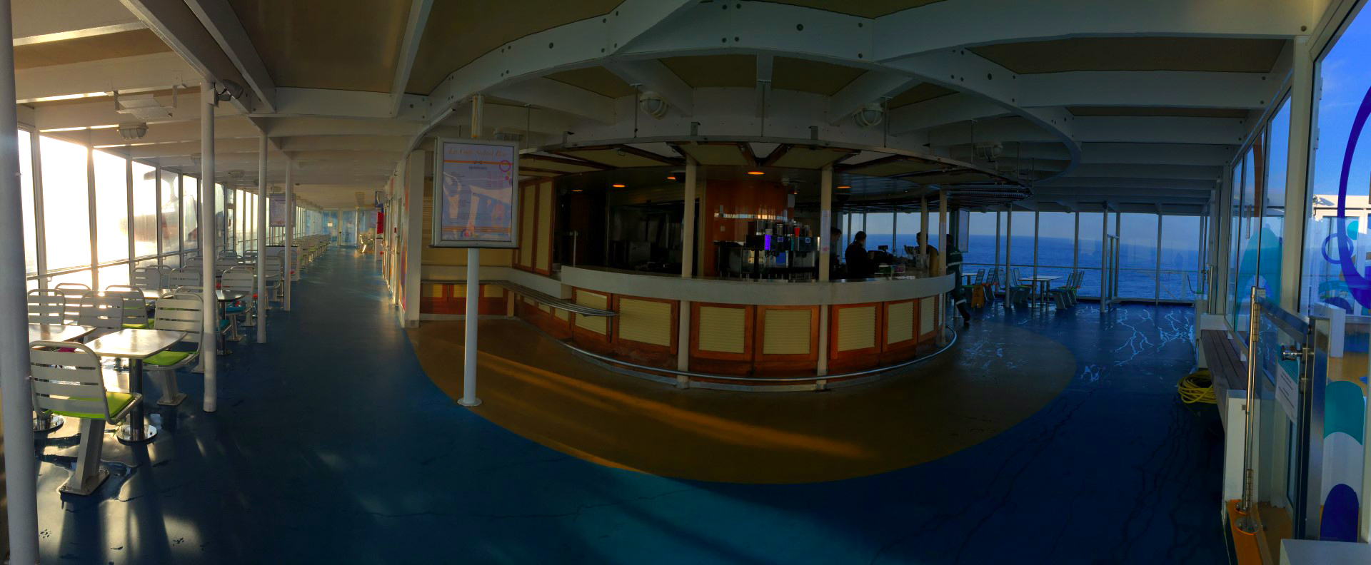 Viajar entre España y Reino Unido, Viajar entre Francia y Reino Unido en barco. Brittany Ferries