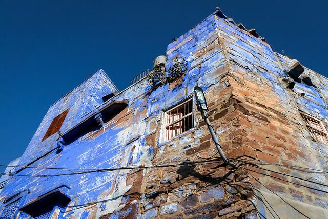 Blue painted house in old city, Jodhpur, India ジョードプル 青い壁の民家