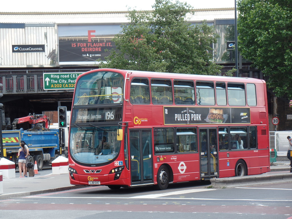 London General Wvl443 On Route 196 At Vauxhall