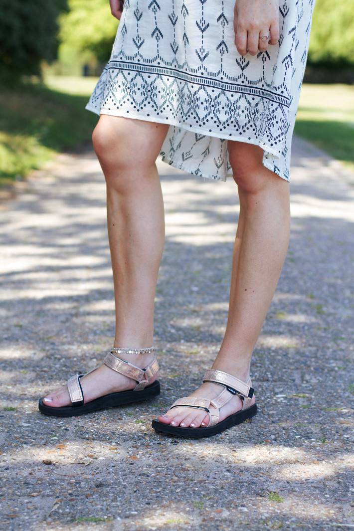 outfit: geometric print sundress, Teva rose gold sandals, ankle bracelet