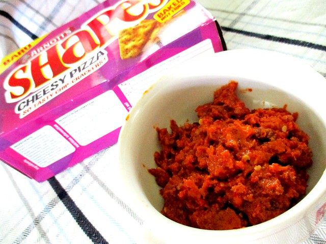 Bacon sambal with crackers