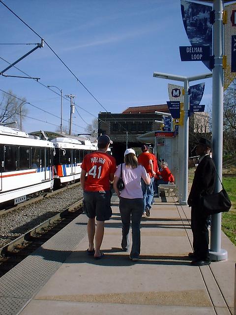 Taking Metrolink To Natural History Museum