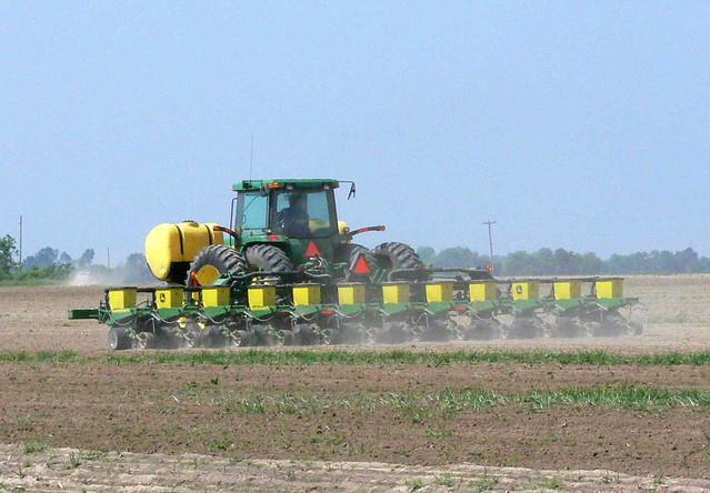 Twelve- Row Cotton Planter on Creek Land | John Deere Air ...