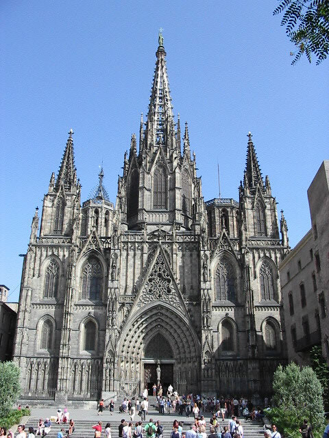 Gaudi cathedral in barcelona spain image by pingnews for Kathedrale barcelona gaudi