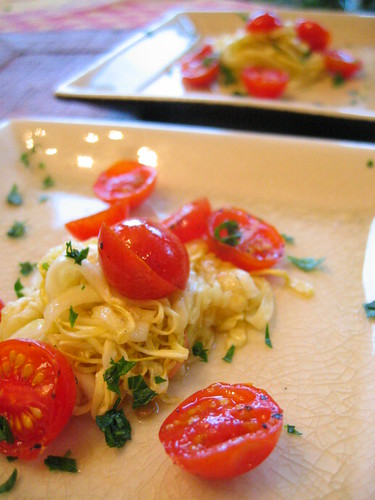zucchini_noodles_and_cherry_tomatoes | by tofu666