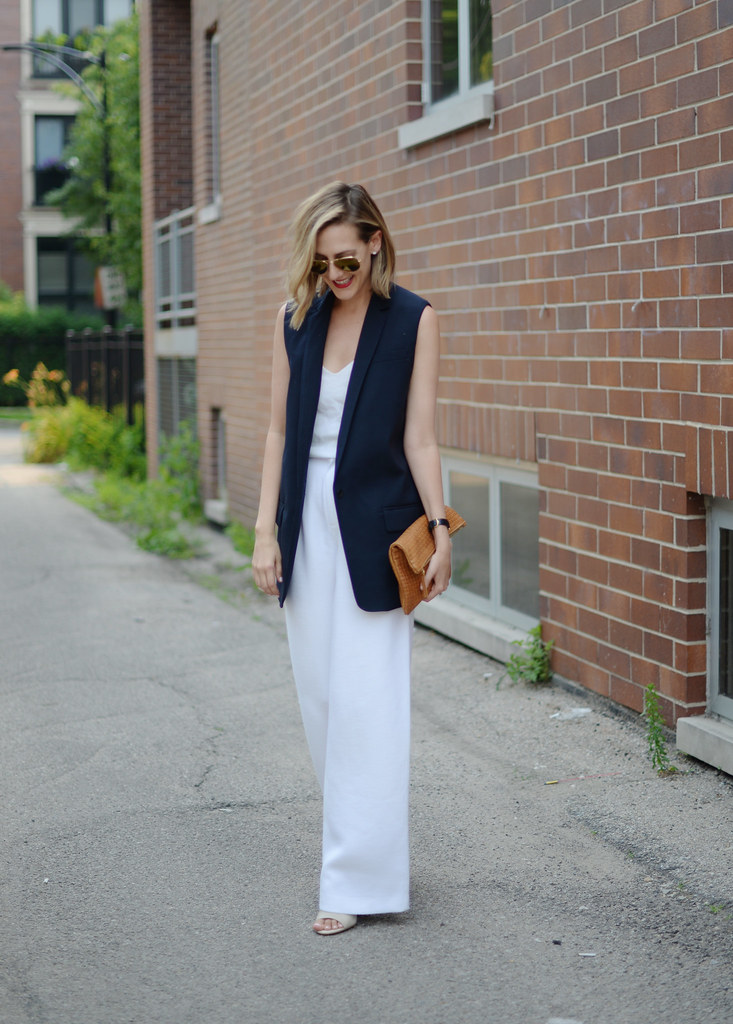 white-pants-vest-outfit