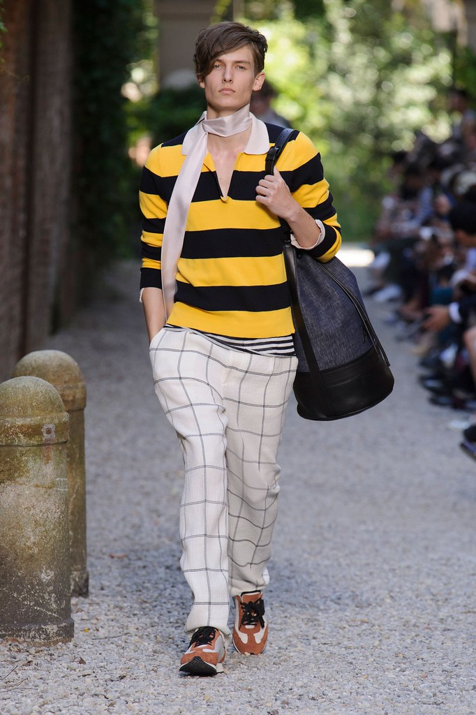 SS16 Milan Andrea Pompilio015(fashionising.com)
