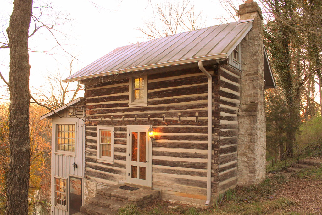 Eversong cabin nashville tn eversong is located at for Cabin rentals vicino a nashville tn