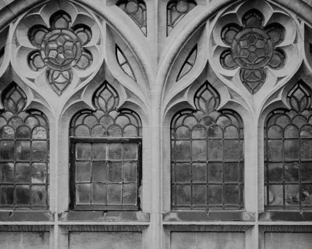 close up of bath abbey windows