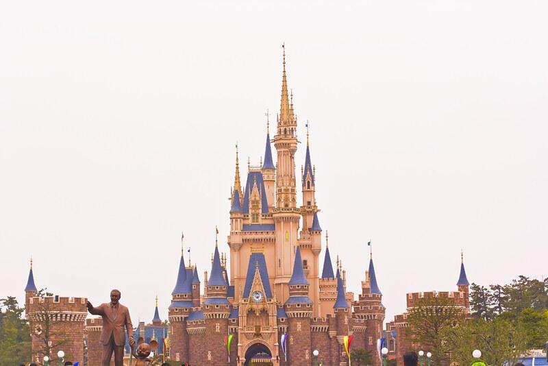 cinderella, mural, cinderella castle, tokyo disneyland easter celebration celebrations easter egg japan disney
