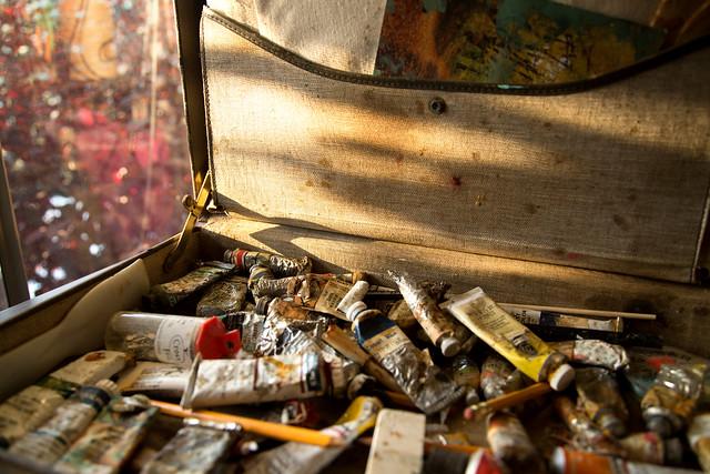 Vintage Art Briefcase - Emptied Colors