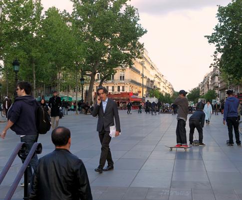 15e05 Place de la République2015-05-056194 variante Uti 485