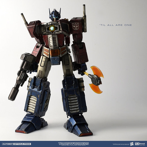 3A_Transformers_G1_OptimusPrime_Square_2160x2160_004b