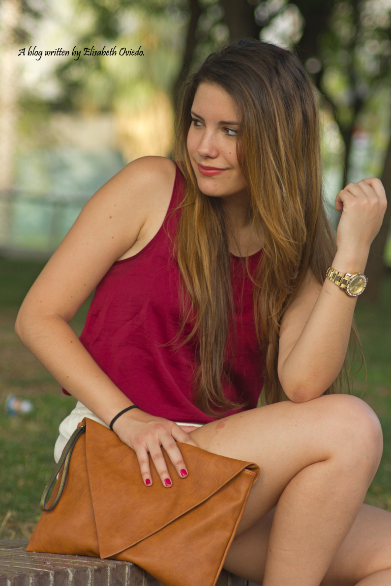 shorts blancos camiseta burgundy clutch pull and bear stradivarius HEELSANDROSES (9)