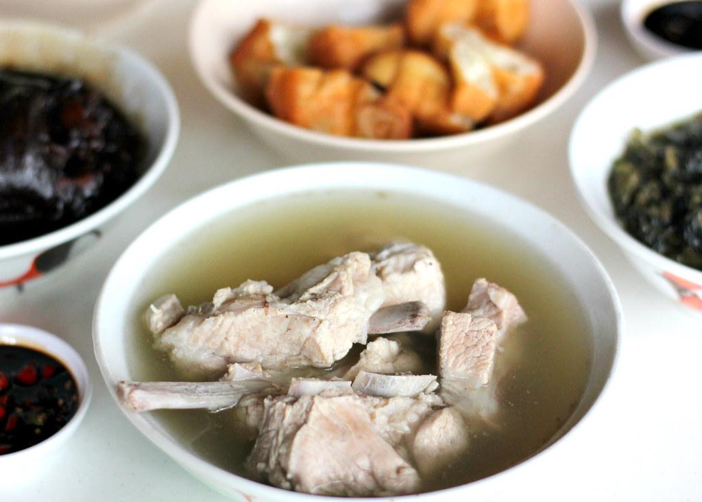 joo-siah-bak-koot-teh-pork-ribs