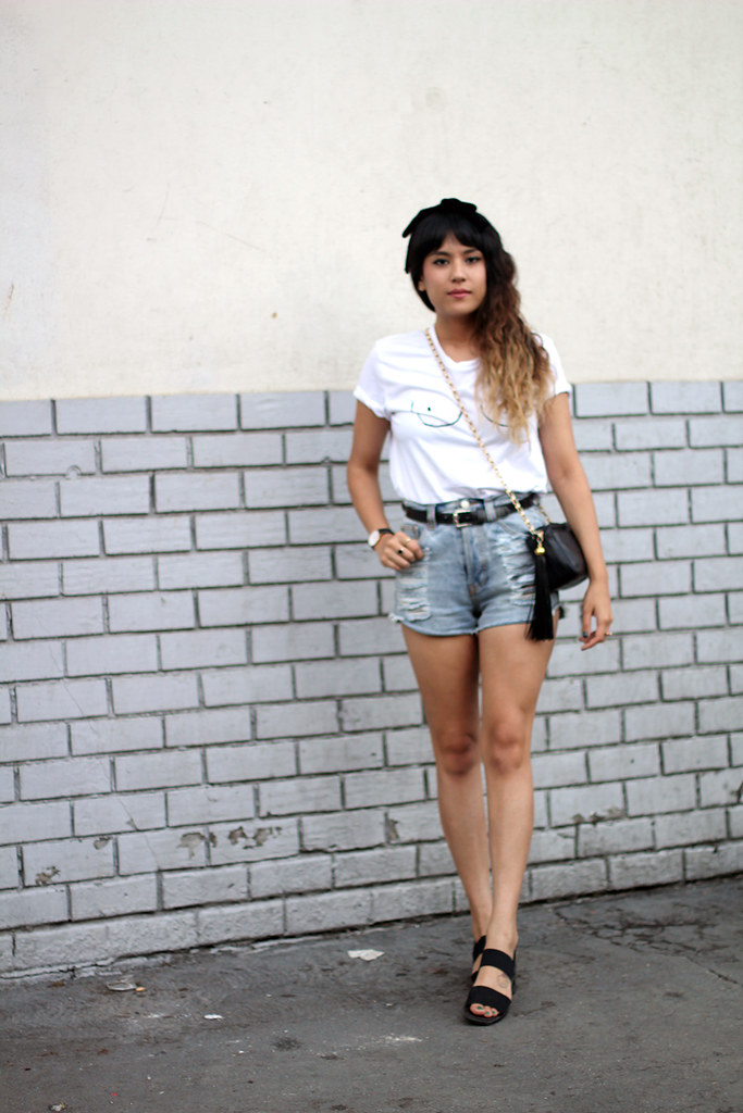 Never Fully Dressed boob drawing shirt, PacSun cut off shorts, vintage Chanel quilted purse, Mansai rose gold screw cuff ring