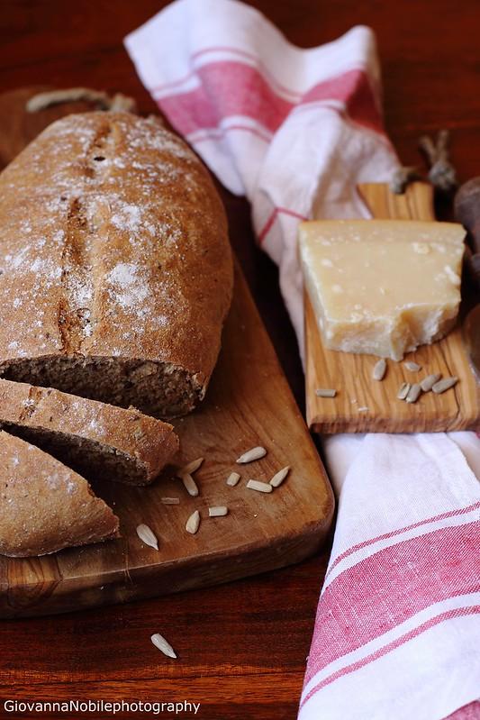 Ricetta delpane di farina semi integrale 2, farina di farro integrale e semi di sesamo, papavero, girasole e lino