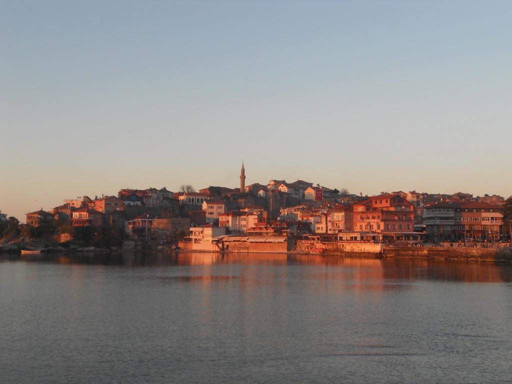 夕陽中的Amasra