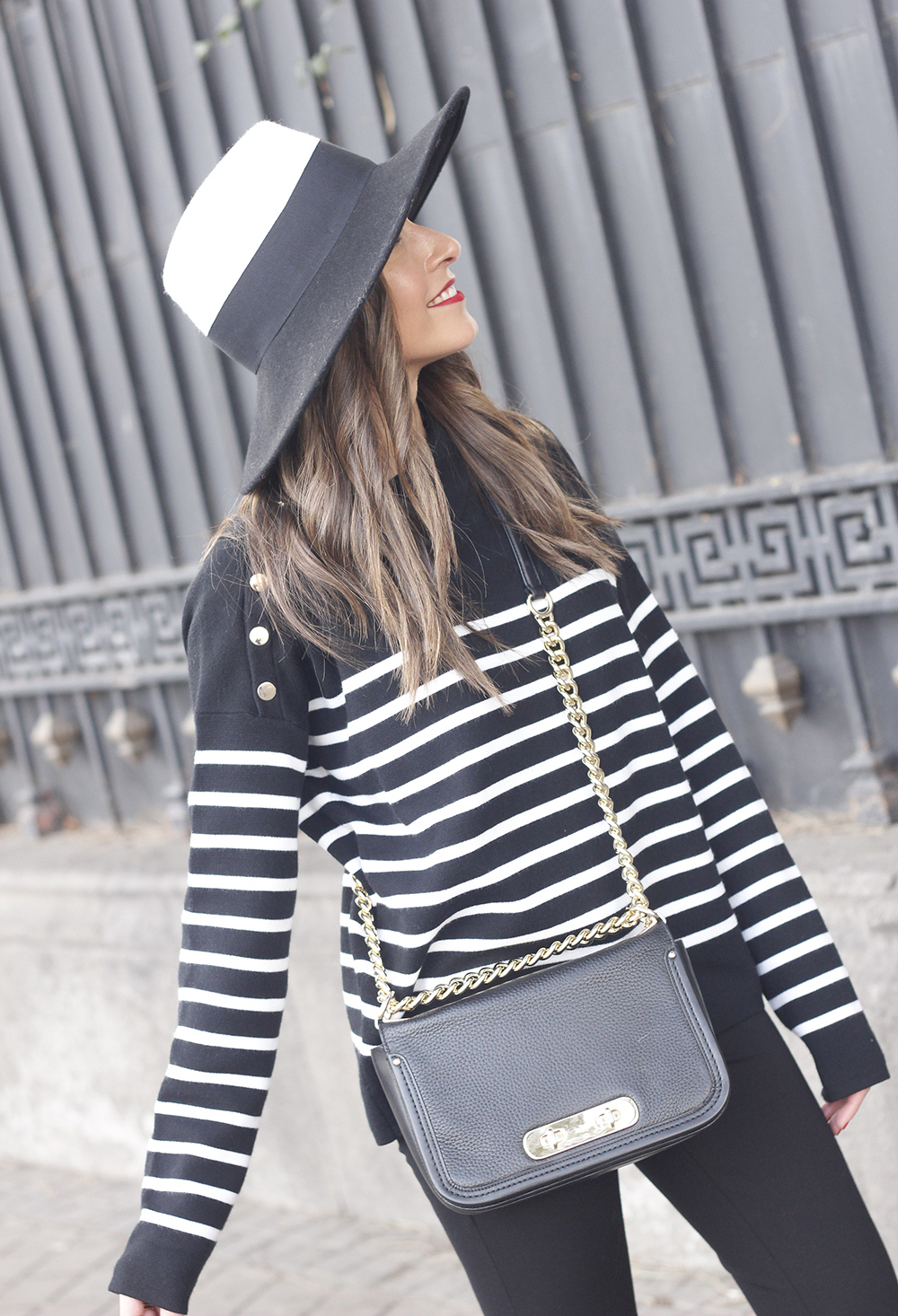 striped sweater maje pink heels black trousers coach bag uterqüe hat accessories style fashion06