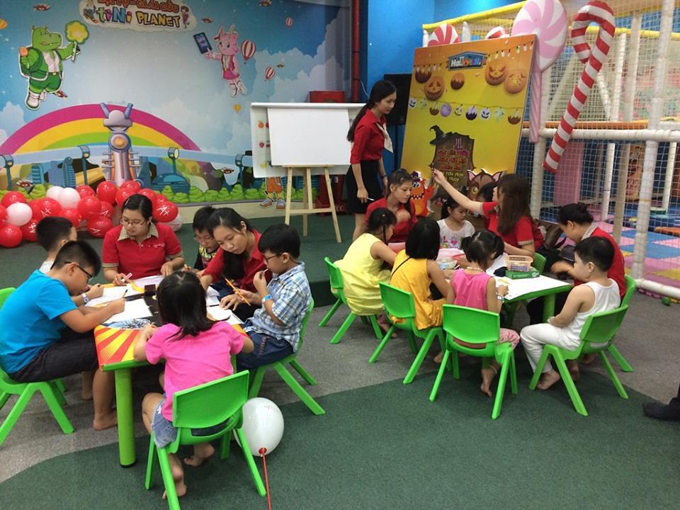 các hoạt động của trẻ em trong tiNiWorld