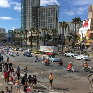 #StarWars Scooter Parade outside #ComicCon #SanDiego #sdcc2015 | by queenkv