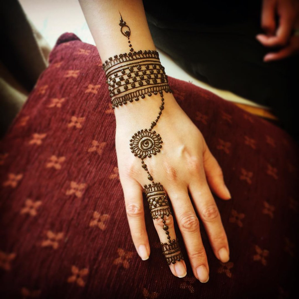 Mehndi Bracelet Easy : Mehndi design bracelet makedes