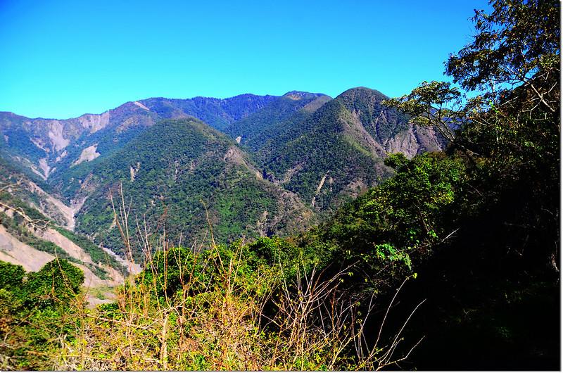 馬馬宇頓農路登山口北眺
