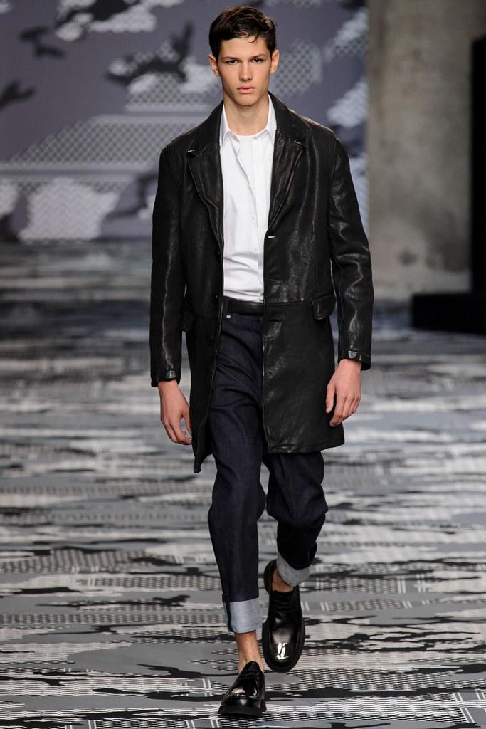 SS16 Milan Neil Barrett024_Lucas Santoni(fashionising.com)
