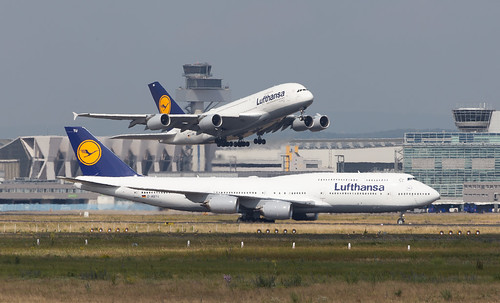 lufthansa boeing 747 8 airbus a380 800 meeting at frankf flickr. Black Bedroom Furniture Sets. Home Design Ideas